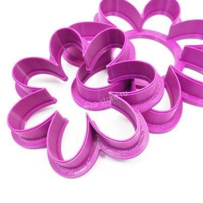 Вырубка пластиковая Цветочек фиолетовый